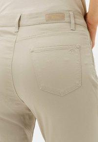 BRAX - MARY - Trousers - warm sand - 3