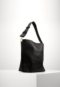 Pieces - PCGLAMMIA SHOPPER KEY - Handbag - black - 2