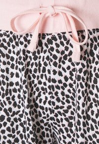 LASCANA - PANTS - Pyjama bottoms - light pink - 2