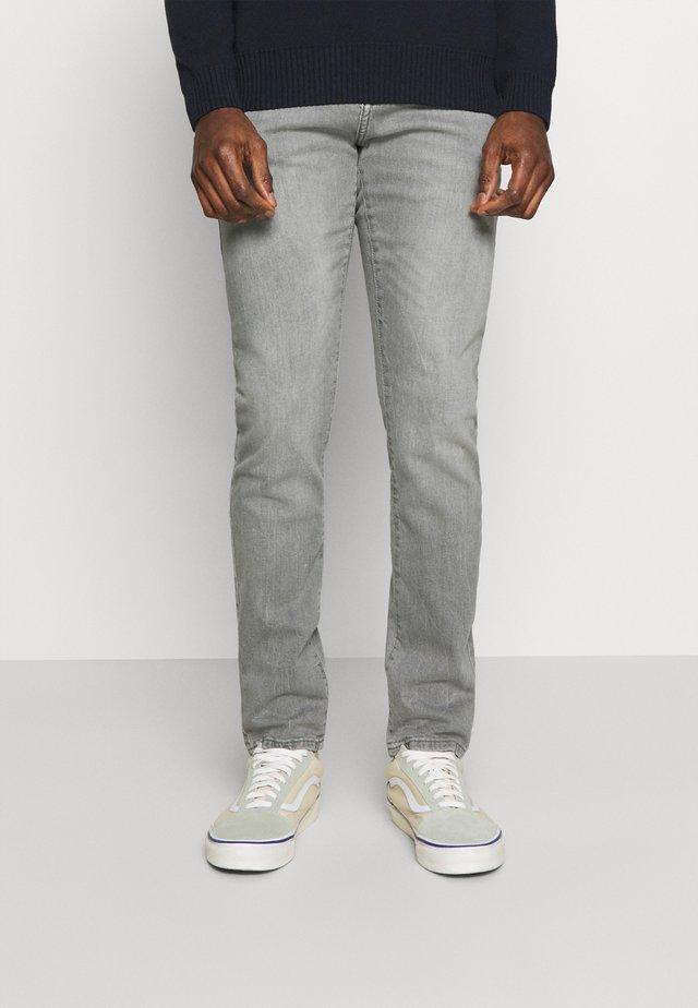 JOSHUA - Slim fit jeans - tyrone wash
