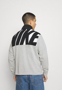 Nike Sportswear - Sweatshirt - grey heather/black - 2