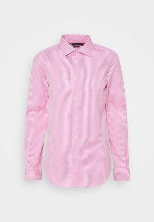 GEORGIA LONG SLEEVE - Button-down blouse - beach pink/white