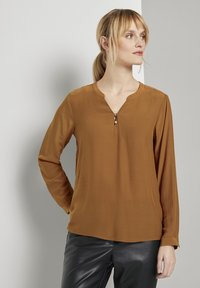 TOM TAILOR - BLOUSE SOLID - Blouse - tawny brown - 0