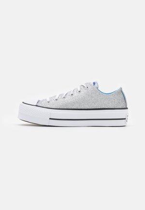 CHUCK TAYLOR ALL STAR PLATFORM GLITTER - Trainers - silver/university blue/white