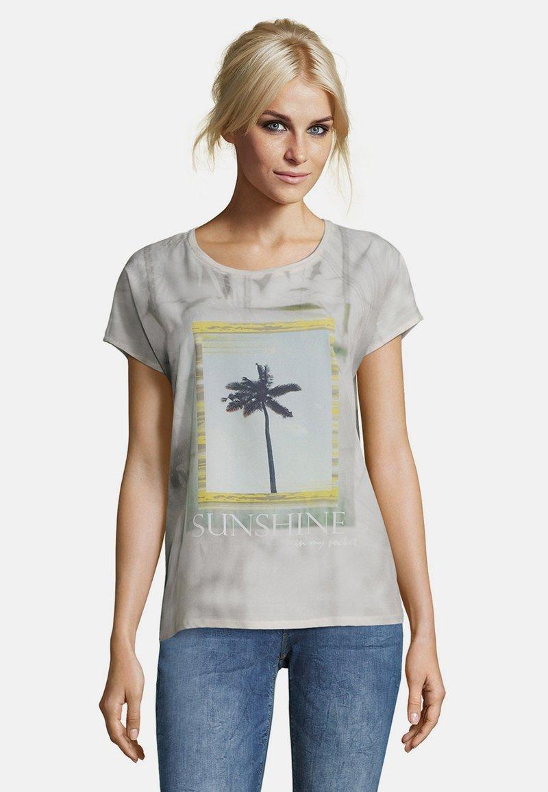 Cartoon - Print T-shirt - nature yellow