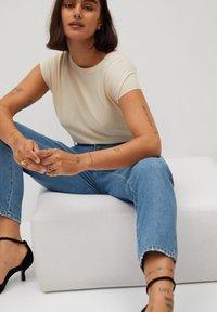 Violeta by Mango - MARINA - Straight leg jeans - mellemblå - 4