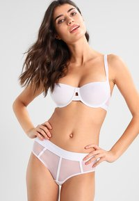 DKNY Intimates - SHEERS T SHIRT BRA MOULDED CUP - Balconette bra - white - 1