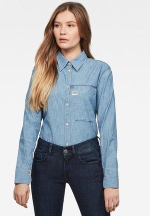 CORE 1 POCKET STRAIGHT - Button-down blouse - blue