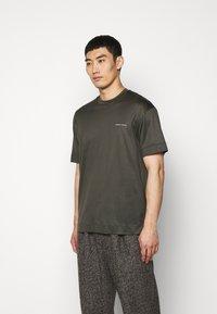 Emporio Armani - Basic T-shirt - dark green - 0