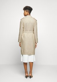 Vero Moda - VMPOPPYKENZIE LONG - Trench - travertine - 2