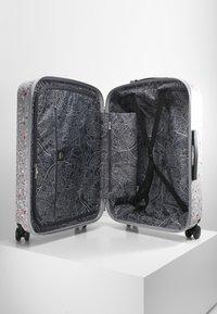 Kipling - CURIOSITY M - Wheeled suitcase - grey - 4