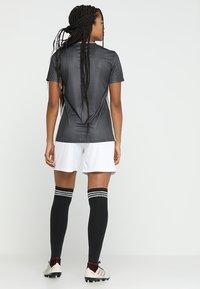 adidas Performance - TIRO 19 CLIMALITE PRIMEGREEN JERSEY - Camiseta estampada - grey/white - 2