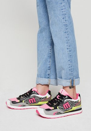 JOGGO - Sneakers laag - fucsia