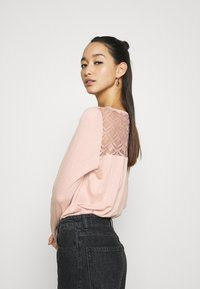 ONLY - ONLNICOLE LIFE NEW MIX  - Long sleeved top - misty rose - 2