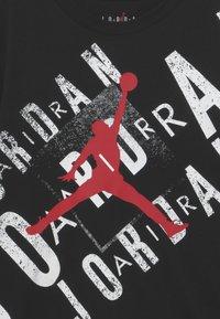 Jordan - BOX THROWBACK - Camiseta estampada - black - 2