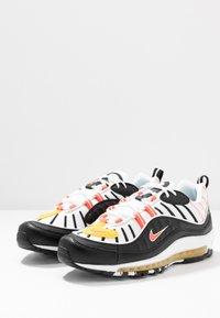 Nike Sportswear - AIR MAX 98 - Sneakers laag - black/brigt crimson/white/chrome yellow - 2