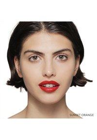 Bobbi Brown - LUXE LIP COLOR - Lipstick - sunset orange - 2