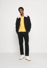 Selected Homme - SLHJASON CREW NECK - Sweatshirts - mango mojito - 0