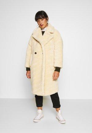WHINNE BORG - Zimní kabát - cream
