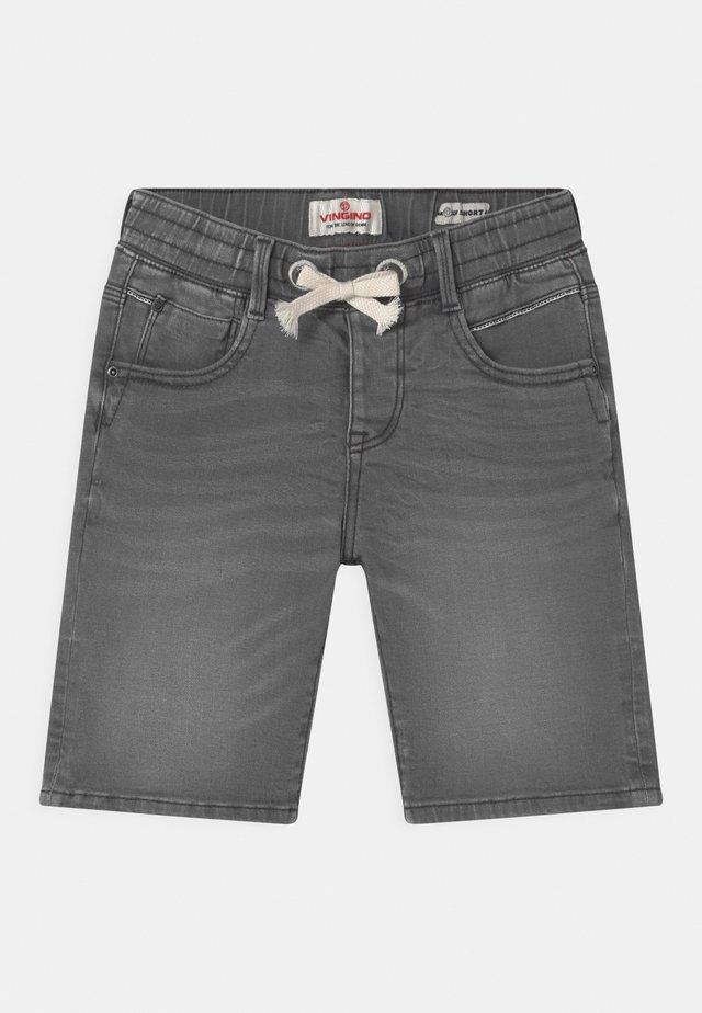 CECARIO - Shorts di jeans - dark grey vintage