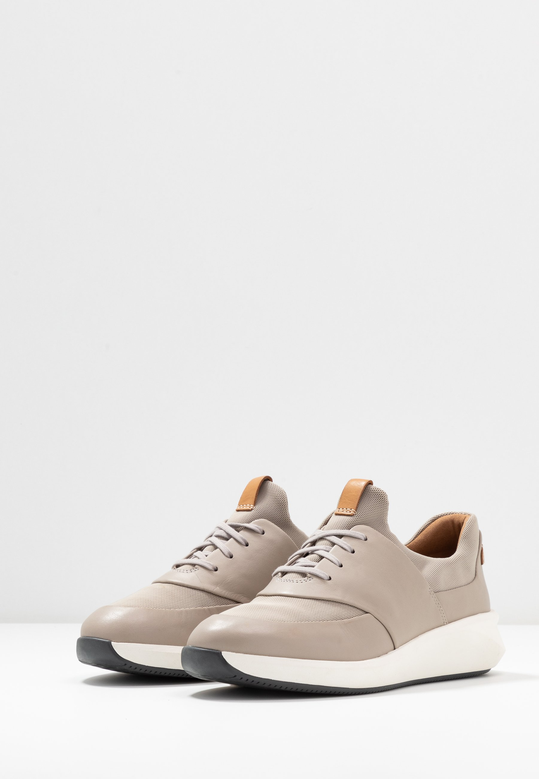 Clarks Unstructured UN RIO LACE Joggesko dark blush
