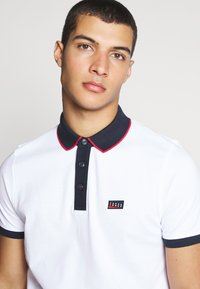 Jack & Jones - JCOCHARMING - Polotričko - white - 3