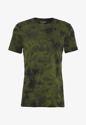 FIELD DRAB - Print T-shirt - green