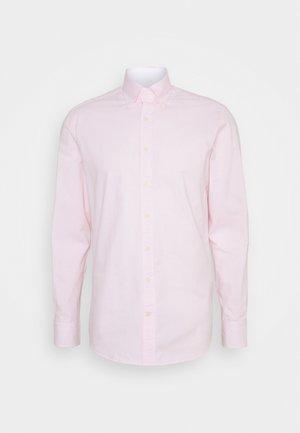 WASHED TICKING - Košile - white/pink