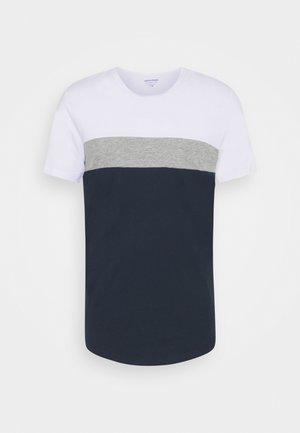 JORCALLIEE TEE CREW NECK - Camiseta estampada - navy blazer