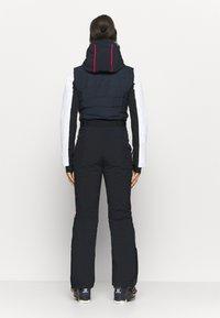 Luhta - ELGMO - Spodnie narciarskie - dark blue - 3