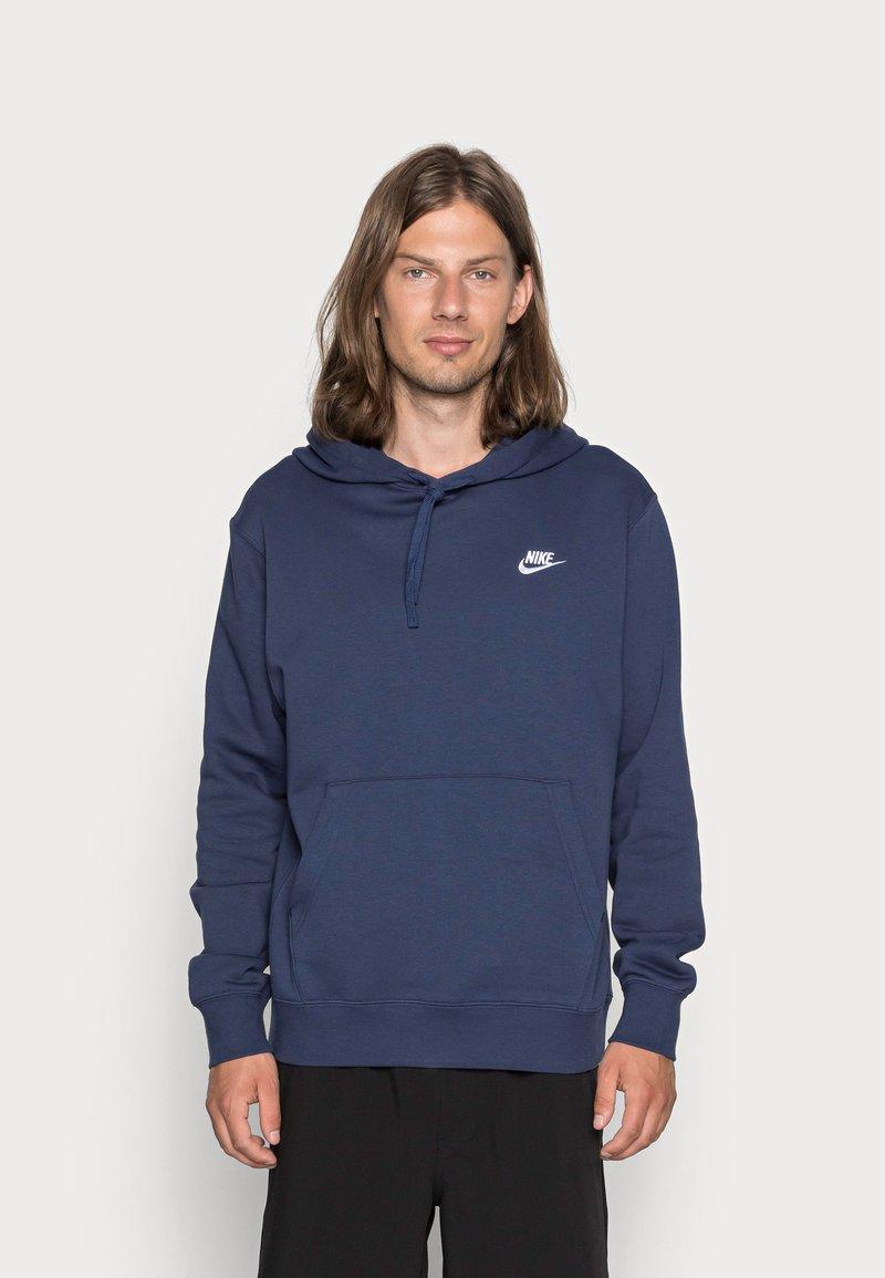 Nike Sportswear - CLUB HOODIE - Luvtröja - midnight navy/white