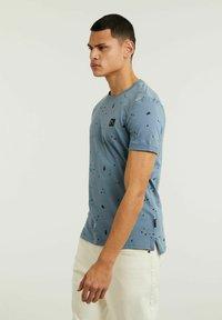 CHASIN' - LEO - Print T-shirt - blue - 2