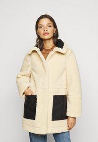 Topshop Petite - BONDED BORG REVERSIBLE SHACKET - Winter coat - black/cream - 3