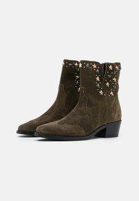 TWINSET - STAR STUDS - Cowboy/biker ankle boot - dark olive green - 2
