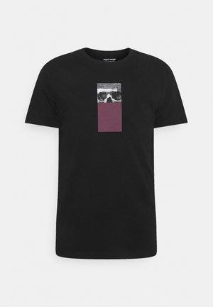 JORVISION TEE CREW NECK - T-shirt print - tap shoe