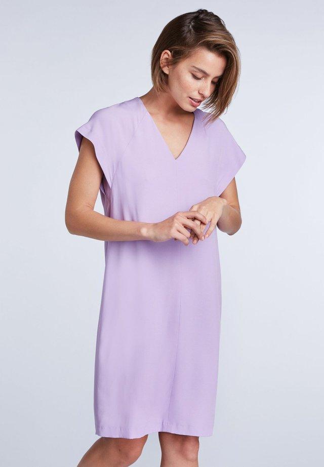 Day dress - light violett