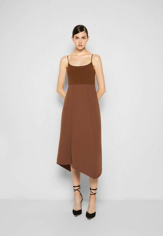 DRESS - Robe d'été - cedar
