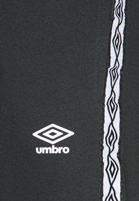 Umbro - TAPED  - Teplákové kalhoty - black - 2