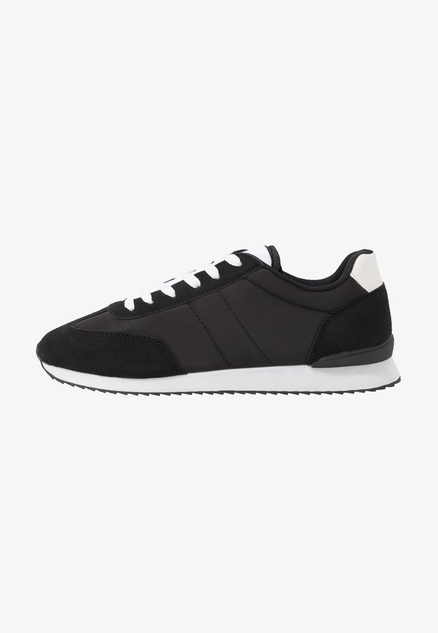 RYAN RETRO TRAINER - Sneakers basse - black/white