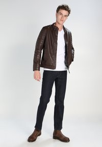 Mustang - PANTS - Straight leg jeans - stone washed - 1