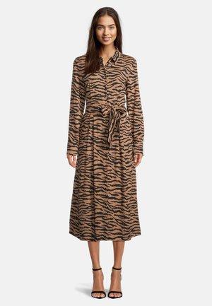 HEMDBLUSENKLEID - Shirt dress - camel/black