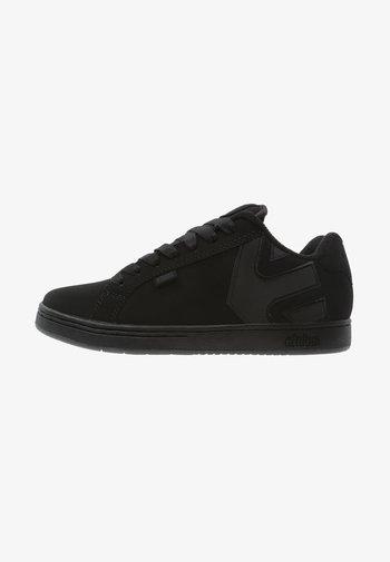 Sneakers - black dirty wash