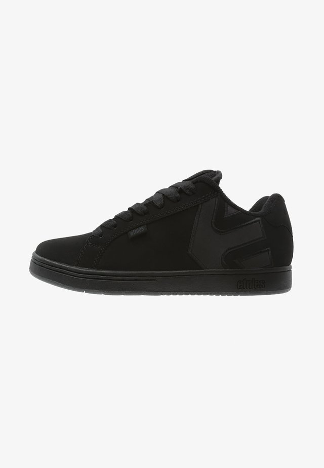 Trainers - black dirty wash
