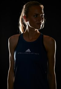 adidas by Stella McCartney - GRAPHIC TANK - Topper - visblu - 3
