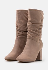 Dorothy Perkins Wide Fit - WIDE FIT BLOCK BOOT - Boots - taupe - 2