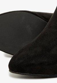 Bianco - Enkellaarsjes met hoge hak - black - 5