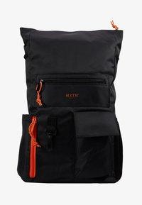 HXTN Supply - UTILITY TRANSIT - Batoh - black - 6