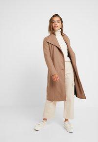 Vero Moda Petite - VMDANIELLA LONG - Classic coat - tobacco brown - 1