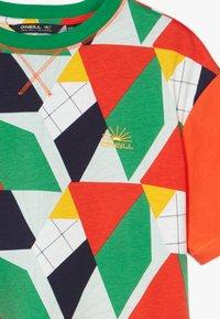 O'Neill - BOXY - T-shirt print - green/yellow - 3