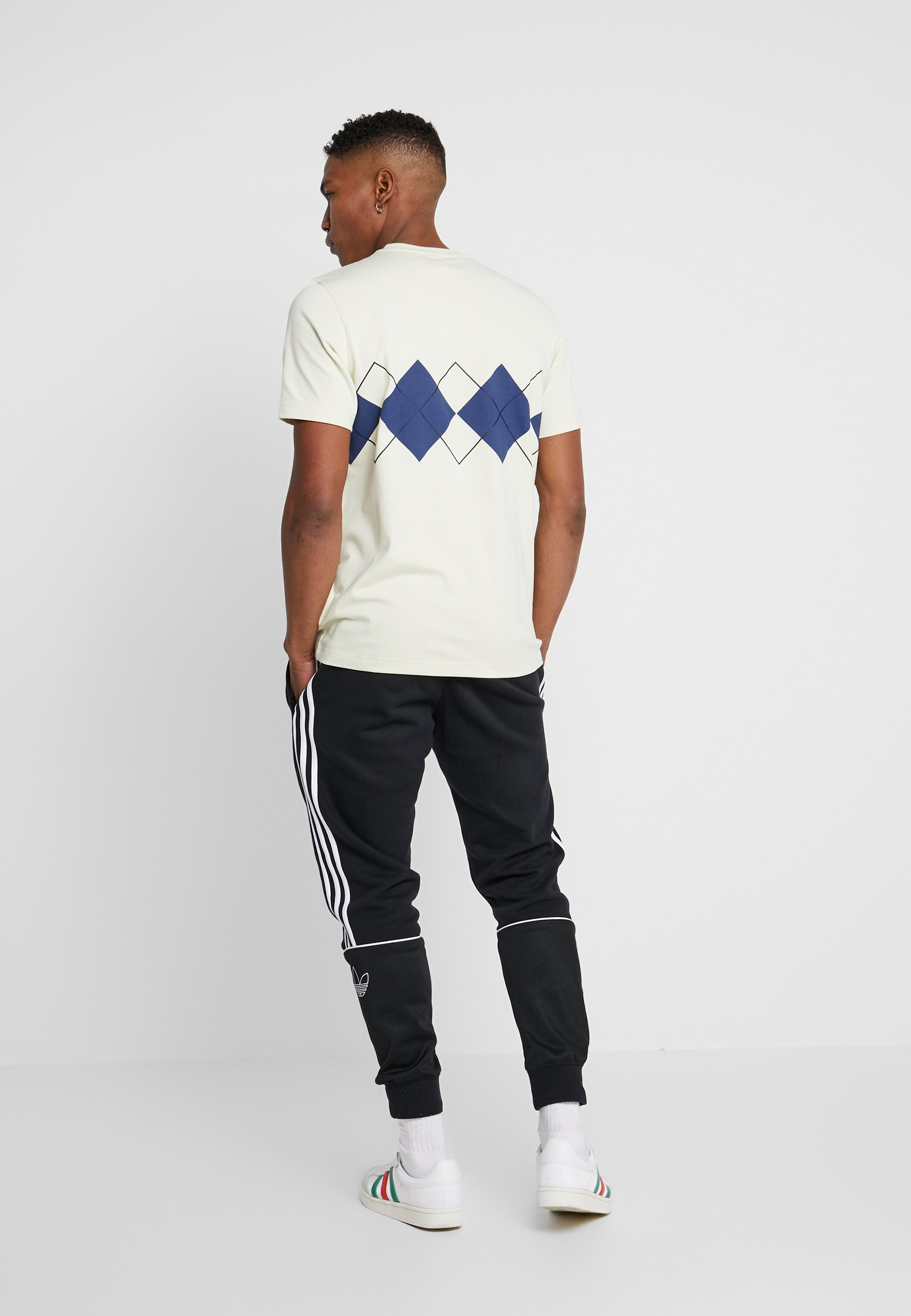 adidas Originals ARGYLE TEE SHORT SLEEVE GRAPHIC TEE - Print T-shirt - sand H7cBa